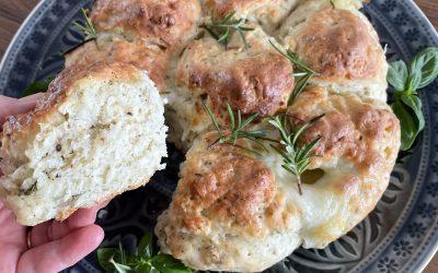 Gluten-Free Mozzarella Pull-Apart Bread